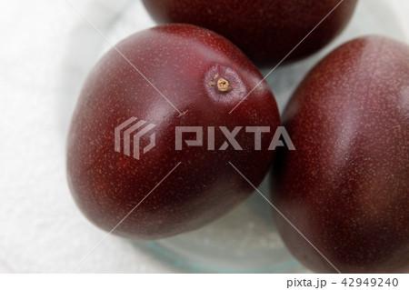 フルーツ パッションフルーツ 42949240