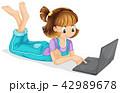 PC ノートパソコン 女の子のイラスト 42989678