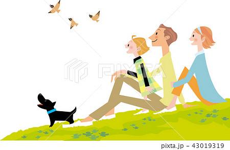 犬と自然を楽しむ家族 43019319