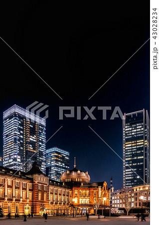 東京駅(夜景) 43028234