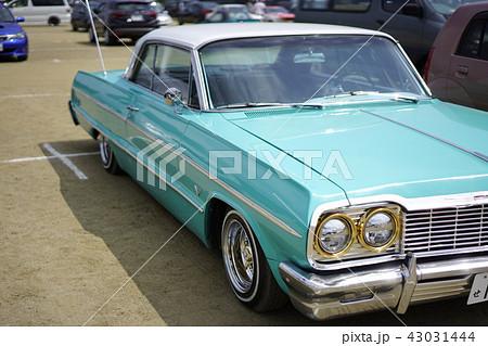 シボレーインパラ3代目1964年60年代華やかアメリカ映画象徴フルサイズカー大型車アメリカンテイスト 43031444