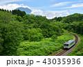 山間を走る列車 43035936