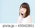 若い女性 43042801
