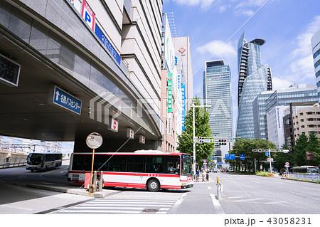 名古屋市中村区都市風景  名駅通り 名鉄バスセンター前  43058231