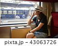 電車 列車 女の写真 43063726