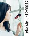 花ある暮らし 女性ポートレート 43069962