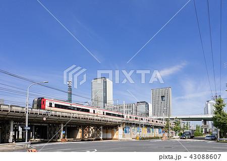 名古屋市都市風景 名駅通り 六反交差点からささしまイブ グローバルゲートと愛知大学を望む 43088607