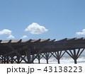稲毛海岸の上青空と白い雲 43138223