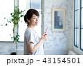 スマホ スマートフォン 女性の写真 43154501