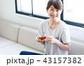 若い女性(紅茶) 43157382