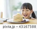 女の子 パンケーキ 43167388