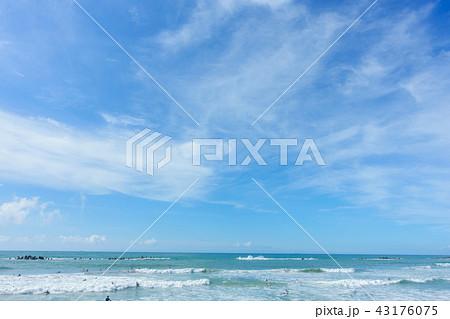 青空 空 雲 海 砂浜 背景 背景素材 43176075