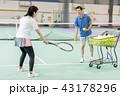 テニス 女性 テニスコートの写真 43178296