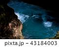 ブルーに染まる滝壺 43184003