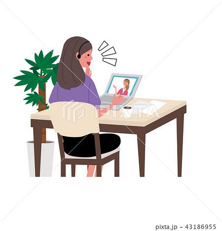パソコンをする女性 イラスト 英会話 オンライン授業 43186955