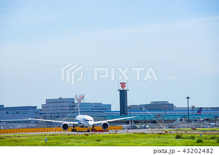 成田空港 飛行機 43202482