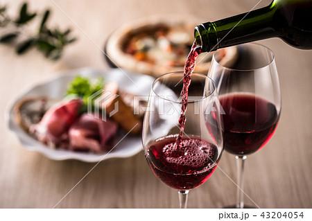 赤ワインと料理 43204054
