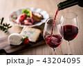 赤ワインと料理 43204095