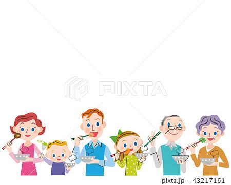 食事をする三世代家族 43217161