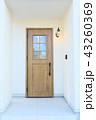 モデルハウスのお洒落な玄関ドア 43260369