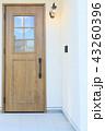 モデルハウスのお洒落な玄関ドア 43260396
