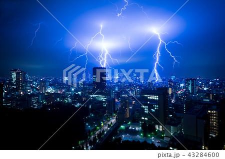 落雷・東京・都心・ゲリラ豪雨・2018年8月27日(新宿方面に落ちています)ドキュメンタリー 43284600