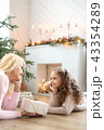 クリスマスオーナメント クリスマスデコレーション 暖炉の写真 43354289