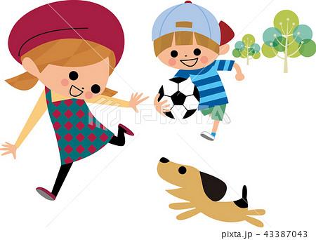 犬と遊ぶ子供達 43387043