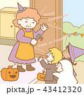 ハロウィンで家を訪れる子供(挨拶付き) 43412320