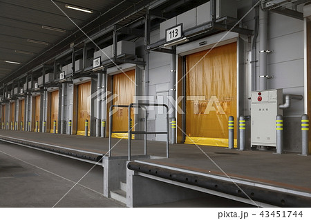 豊洲市場 水産卸売棟 トラックバース 43451744