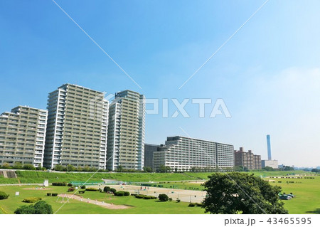 青空のマンション街 43465595