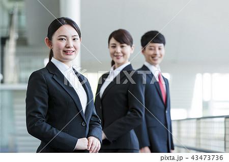 ビジネス リクルート 就職活動 ビジネスマン オフィス 新入社員 ビジネスウーマン チーム 43473736