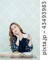 ライフスタイル コーヒーを飲む女性 43493983