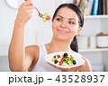 食事をする 食事 食べるの写真 43528937
