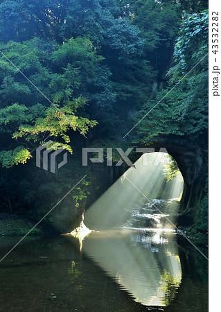 千葉県 濃溝の滝 ハートの光 43532282