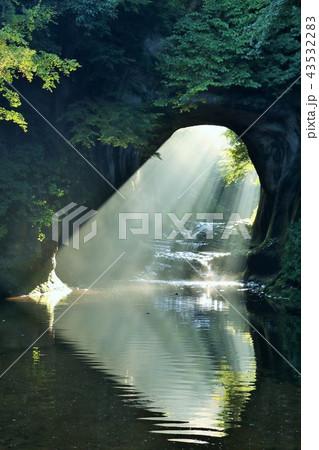 千葉県 濃溝の滝 ハートの光 43532283