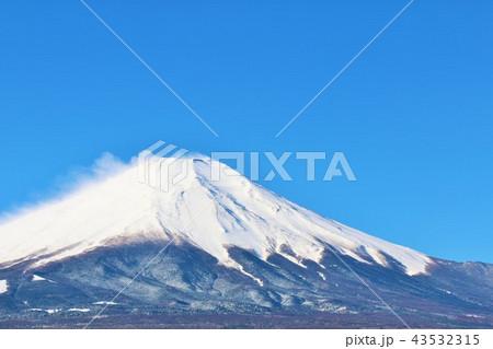 冬晴れの青空と富士山 43532315