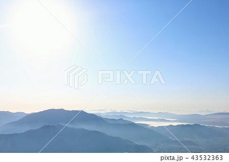 青空と山並み 43532363