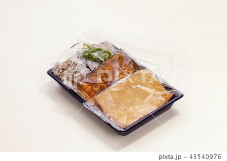 パック入りの蕎麦たぬきそば 43540976