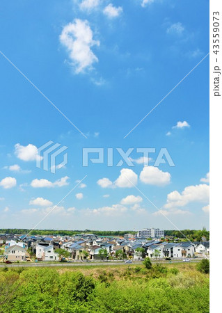 気持ちいい青空の街風景 43559073