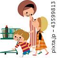 買い物をする母子 43599813
