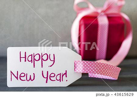 pink gift label text happy new yearの写真素材 43615629 pixta