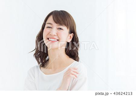 ビューティー 若い女性 43624213