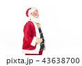 語りかけるサンタクロース クリスマスイメージ イメージ素材 43638700