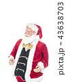 語りかけるサンタクロース クリスマスイメージ イメージ素材 43638703
