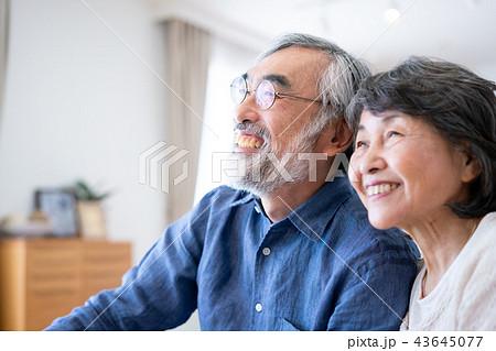 シニア 夫婦 家族 高齢者  43645077