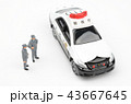 パトカー 警察 警察官の写真 43667645