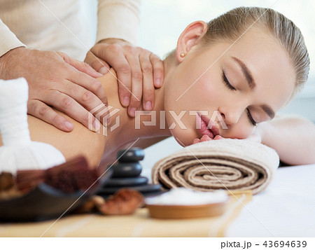 Woman having massage in the spa salon 43694639