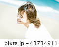 女性 ビーチ 旅行の写真 43734911