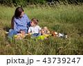 ピクニック 人々 人物の写真 43739247